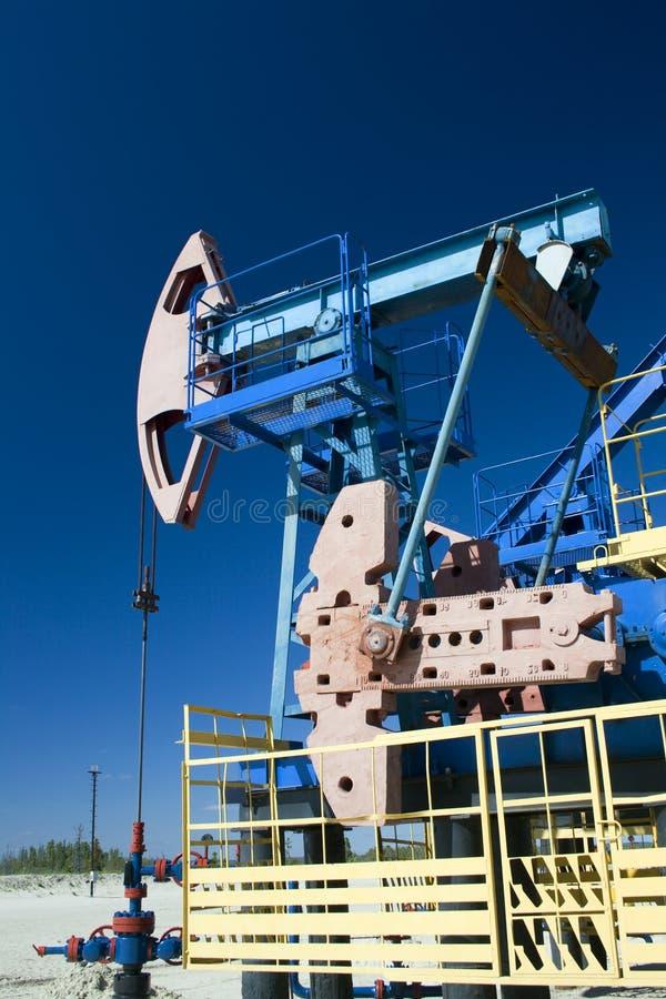 油泵千斤顶 油气工业 免版税库存照片