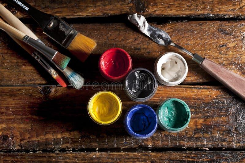 油漆和画笔 库存图片