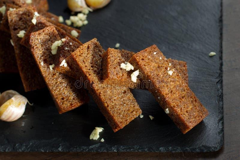 油煎方型小面包片用大蒜 库存照片