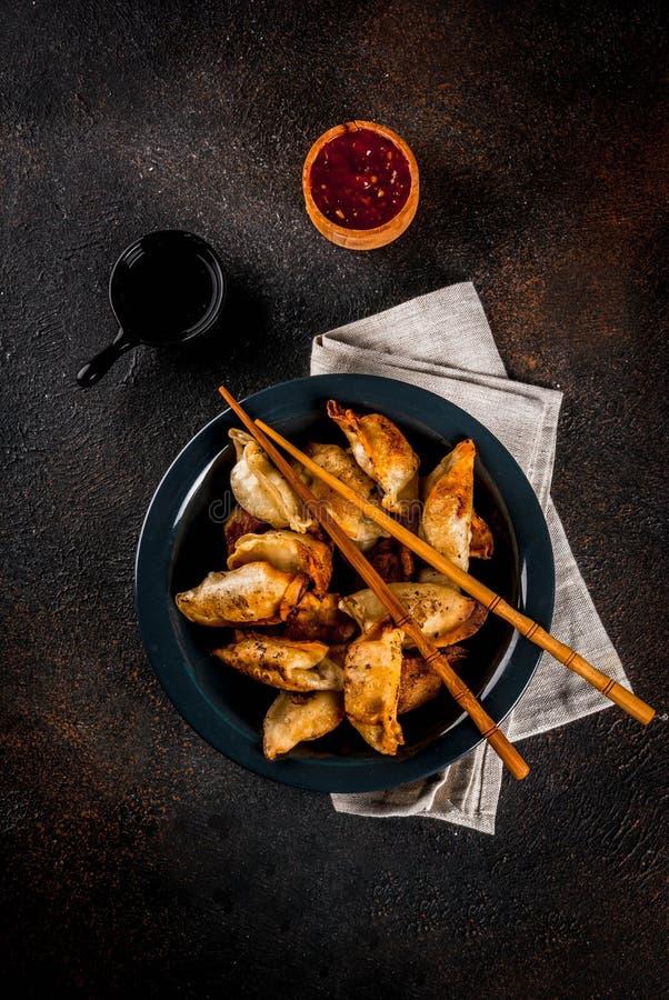 油煎的亚洲饺子Gyoza 免版税库存图片