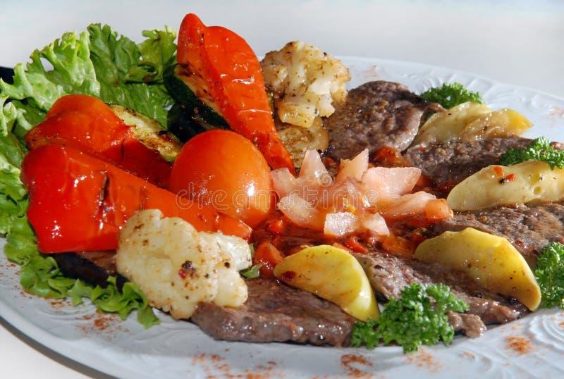 油煎的小牛肉蔬菜 库存照片