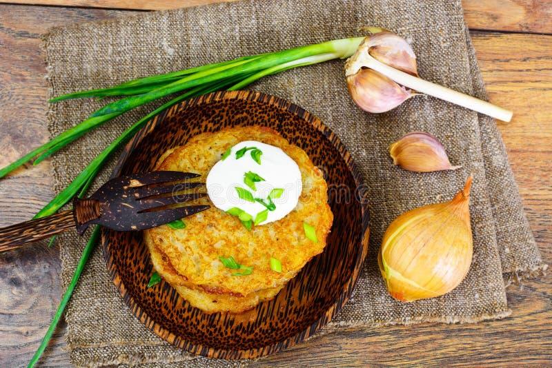 油煎的薄煎饼土豆 白俄罗斯语和德国烹调 免版税图库摄影