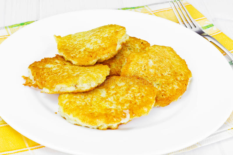 油煎的薄煎饼土豆 白俄罗斯语和德国烹调 库存照片