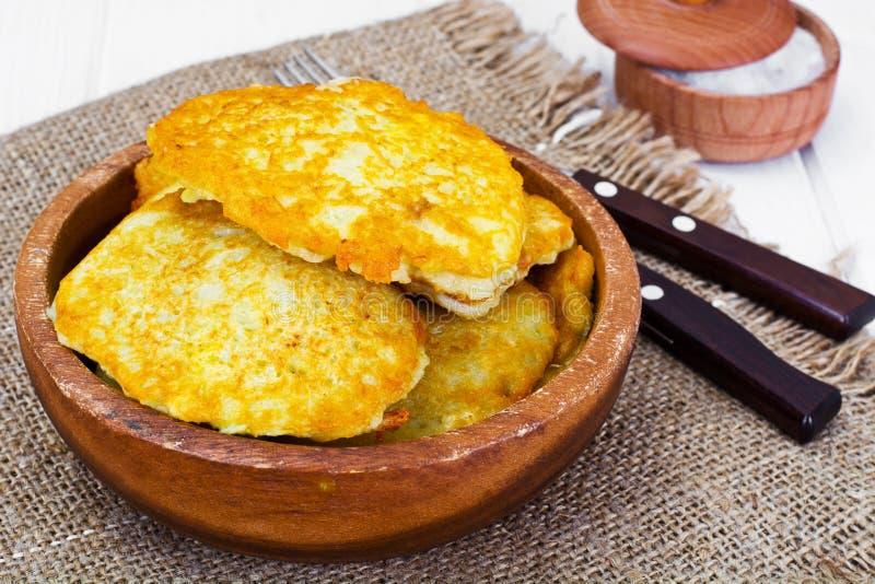 油煎的薄煎饼土豆 白俄罗斯语和德国烹调 免版税库存图片