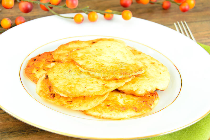 Download 油煎的薄煎饼土豆 白俄罗斯语和德语 库存照片. 图片 包括有 犹太, 无用数据, 德语, 装饰, 设备, 烹调 - 62530058