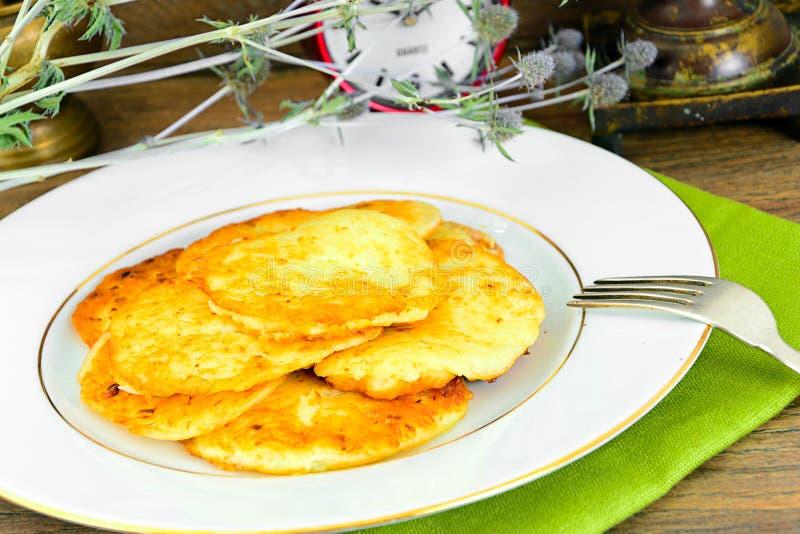 Download 油煎的薄煎饼土豆 白俄罗斯语和德语 库存图片. 图片 包括有 节假日, 宏指令, 图象, 犹太, 金子, 设备 - 62531991