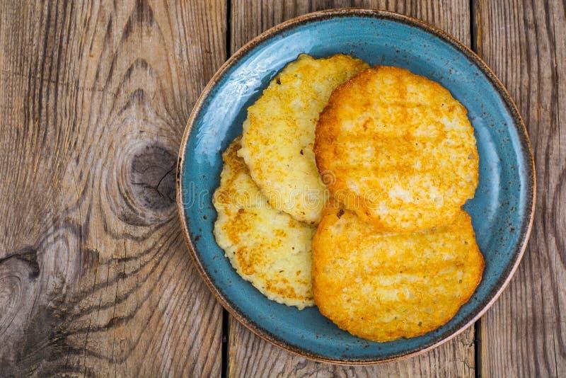 油煎的薄煎饼土豆 免版税库存照片