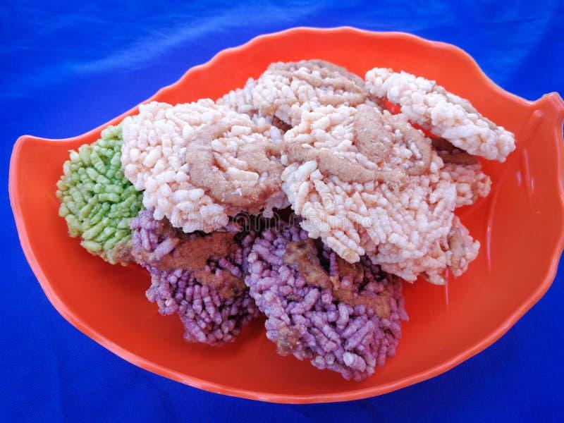 油煎的酥脆米泰国甜点油煎的糖 免版税库存图片