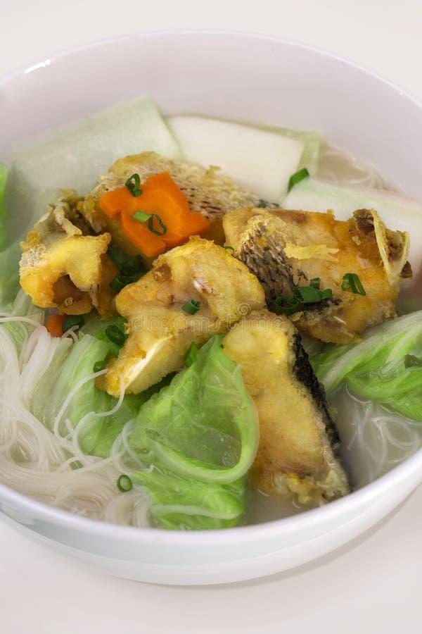 油煎的鱼米线汤 免版税库存照片