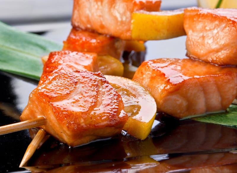 油煎的kebab三文鱼 免版税库存图片