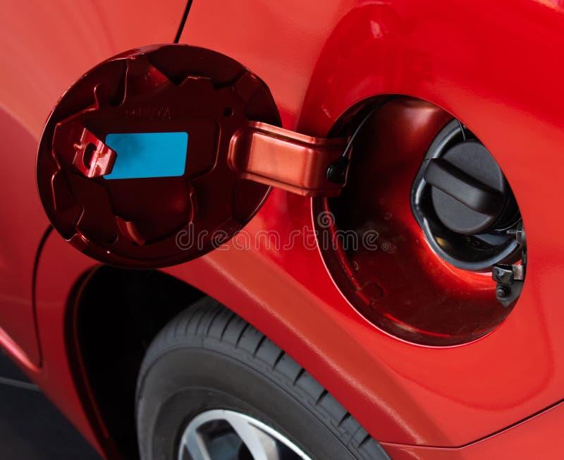 油箱顾客的盖子红色 使用墙纸或背景运输和汽车或汽车图象的 图库摄影