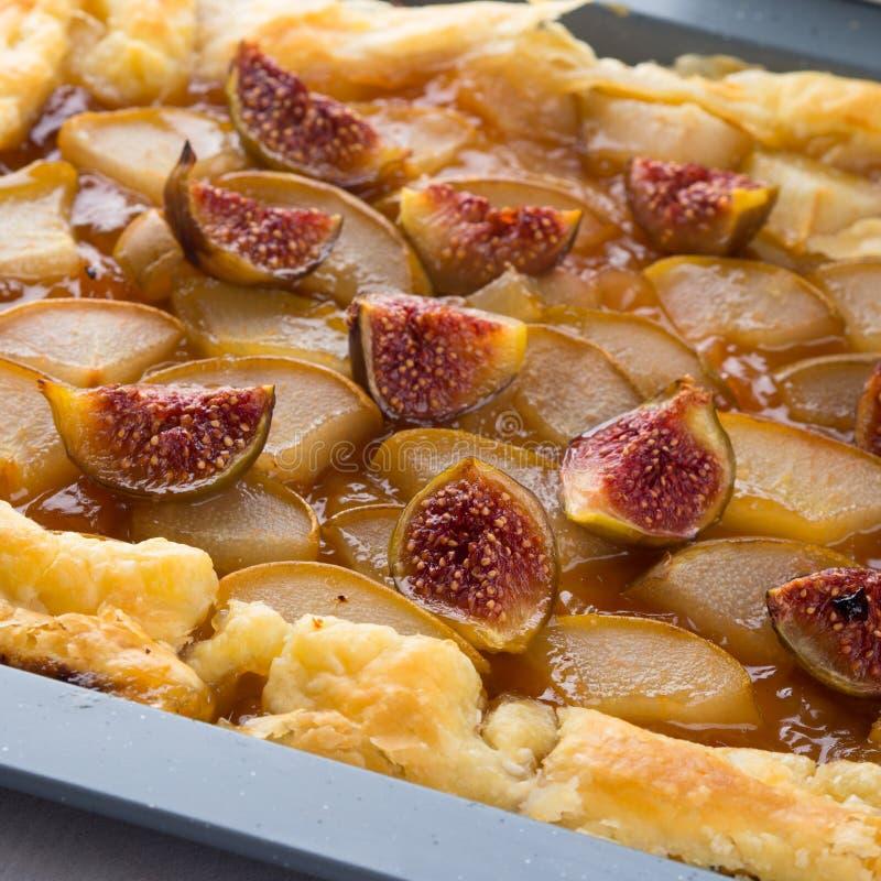 油酥点心饼用梨和无花果 免版税库存图片