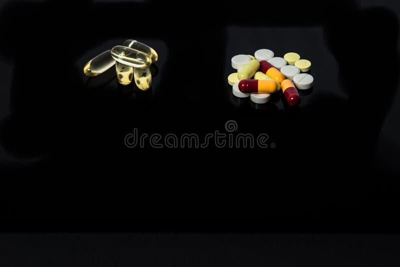 治疗的不同的医疗药片 免版税库存图片