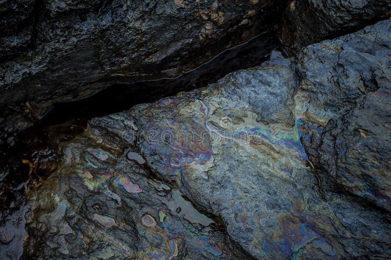 沾染海的油泥在漏油灾害期间在阁沙梅岛海岛,罗勇,泰国 免版税图库摄影