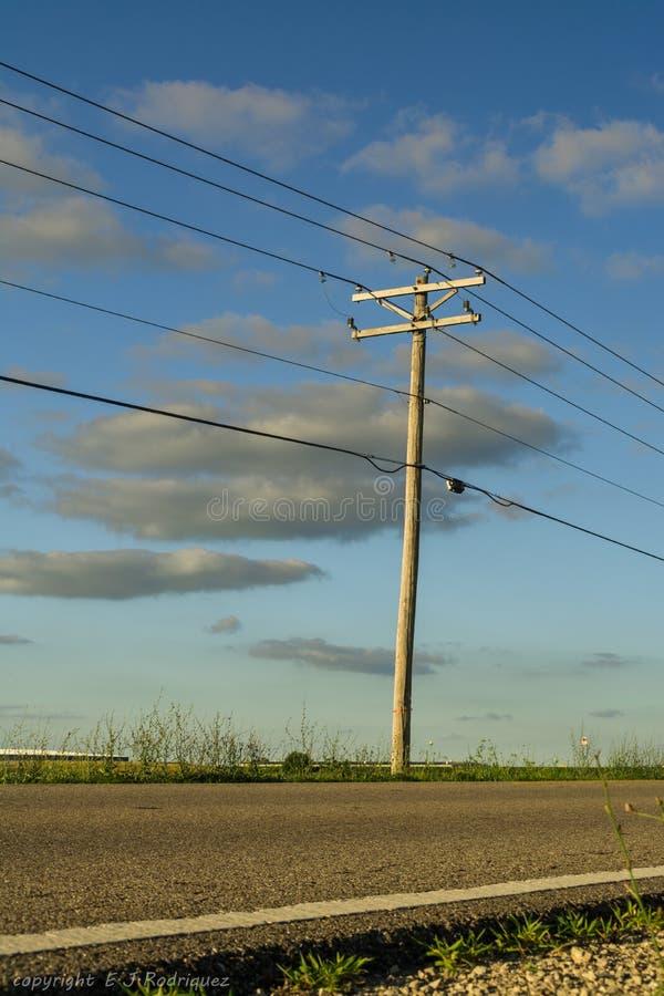 沿乡下公路 库存照片
