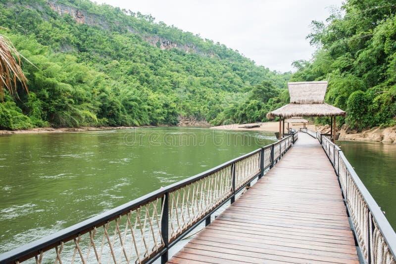 沿河的木人行道 图库摄影