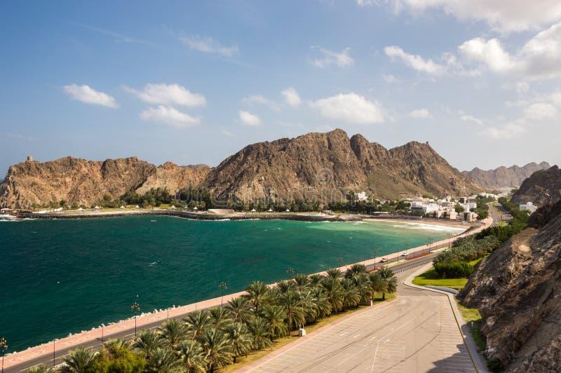 沿海大道在马斯喀特,阿曼 免版税图库摄影