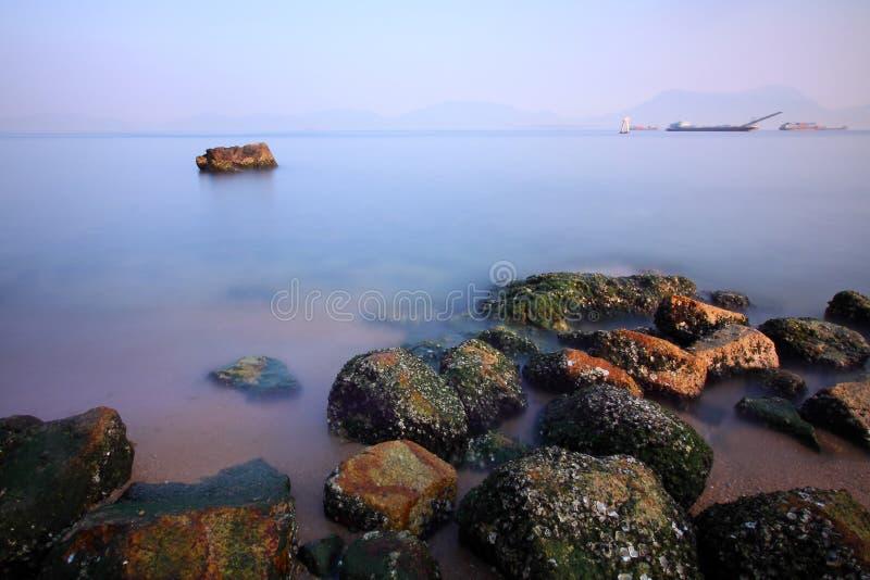 沿海岸香港海运石头 免版税库存照片