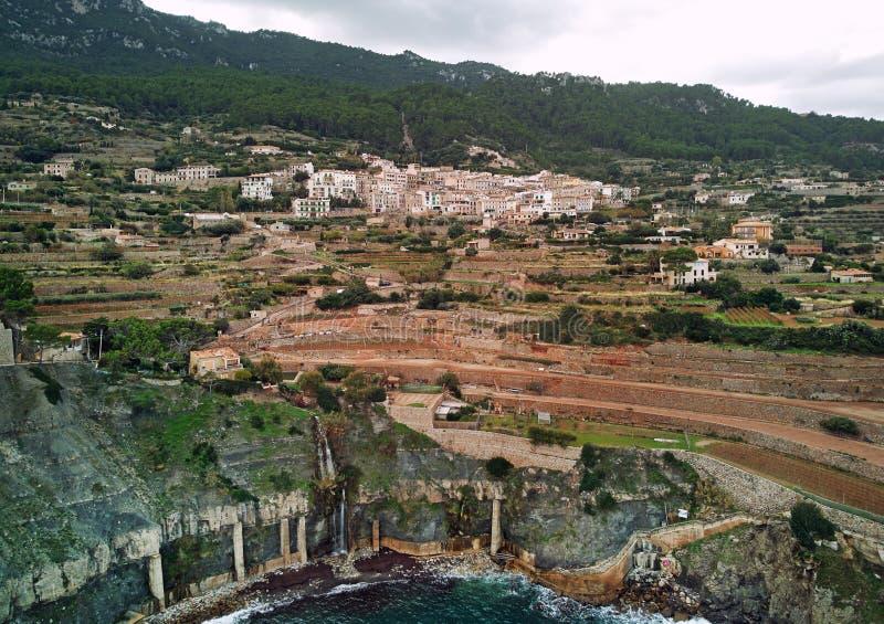 沿海巴尼亚尔武法尔镇,鸟瞰图 马略卡,西班牙 免版税库存照片