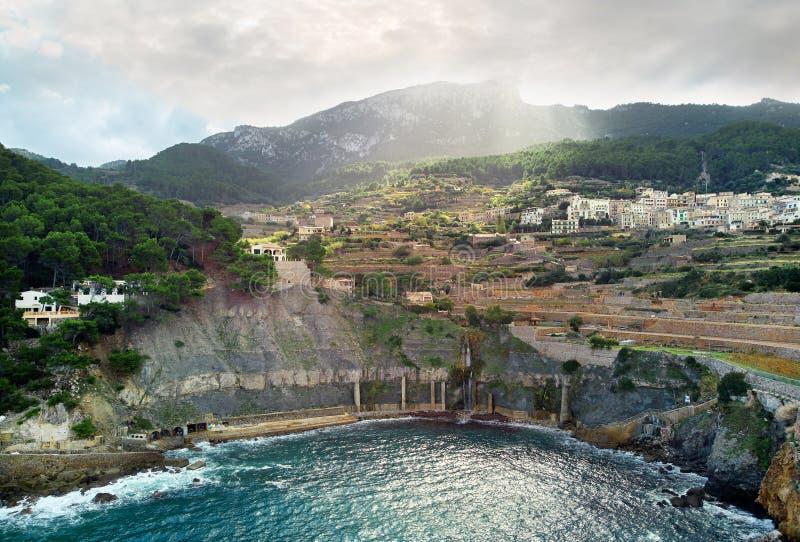 沿海巴尼亚尔武法尔镇,鸟瞰图 马略卡,西班牙 图库摄影