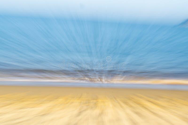 沿海抽象金黄沙子大海 免版税库存图片