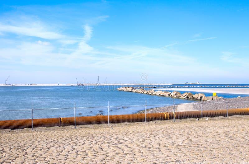 沿海maasvlakte视图 免版税图库摄影