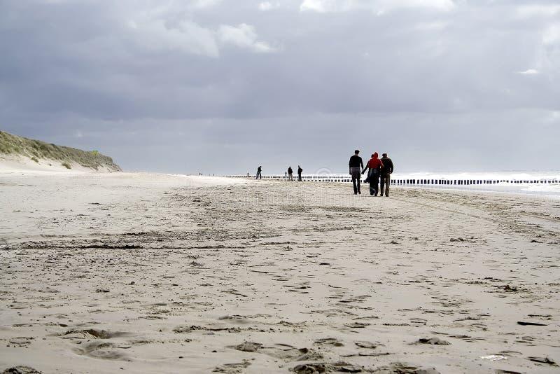 沿漫步的海边 免版税库存图片