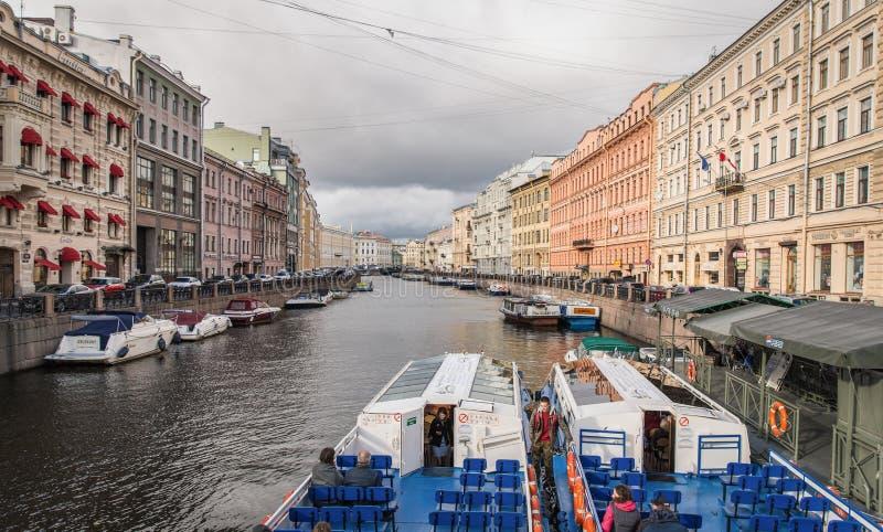 沿着大厦的主要运河在俄罗斯 库存照片