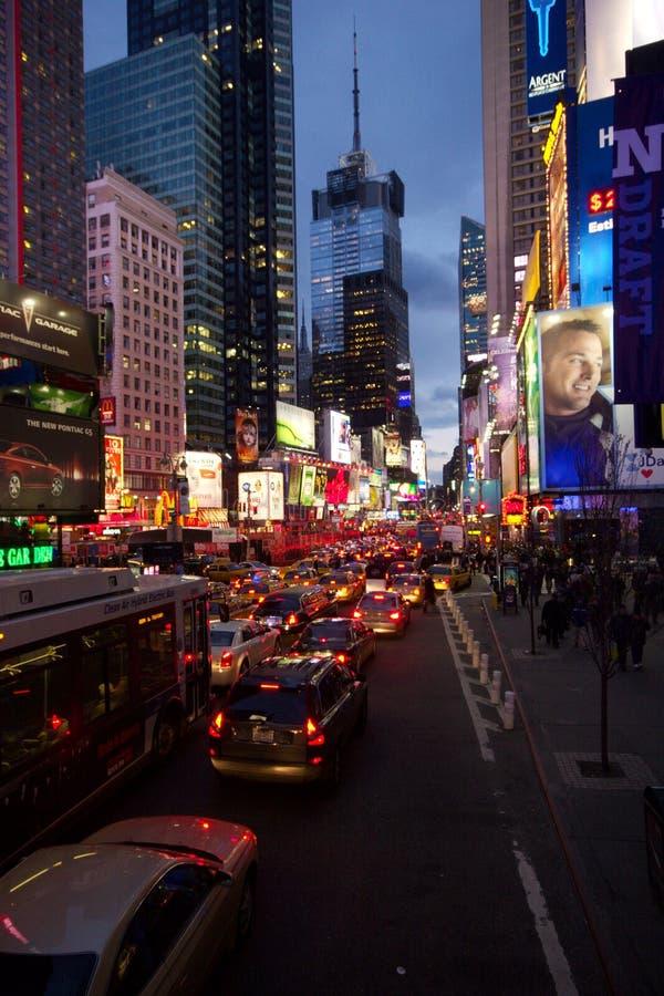 沿着走往时代广场的第7条大道,曼哈顿的交通木材堵塞 库存照片