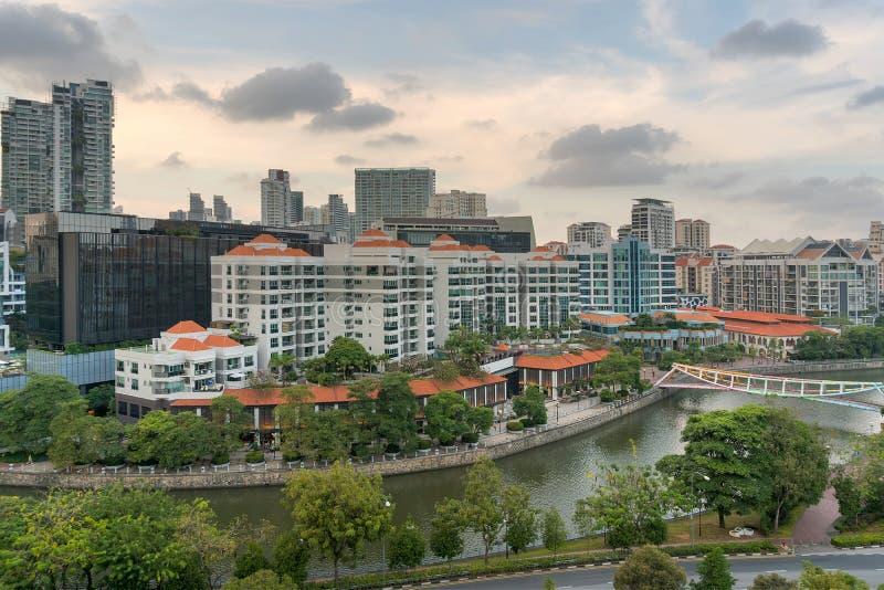 沿罗伯逊奎伊的新加坡都市风景 库存图片