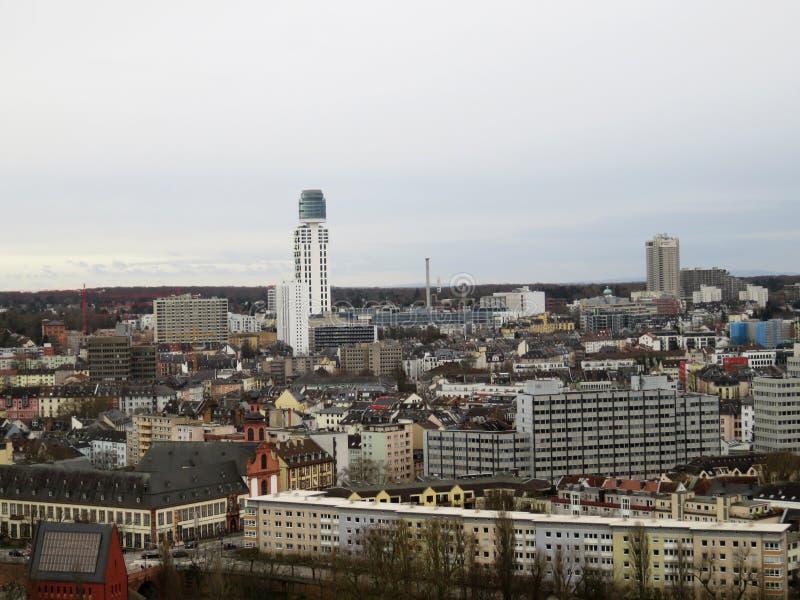 沿被建立的结构的看法在法兰克福德国 图库摄影