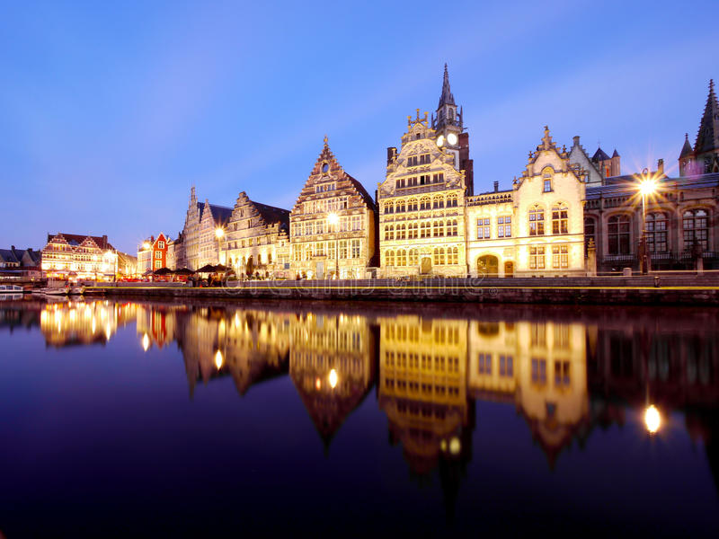 沿运河的历史建筑在绅士 库存照片
