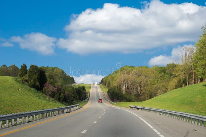 沿驱动跨境的高速公路 库存图片