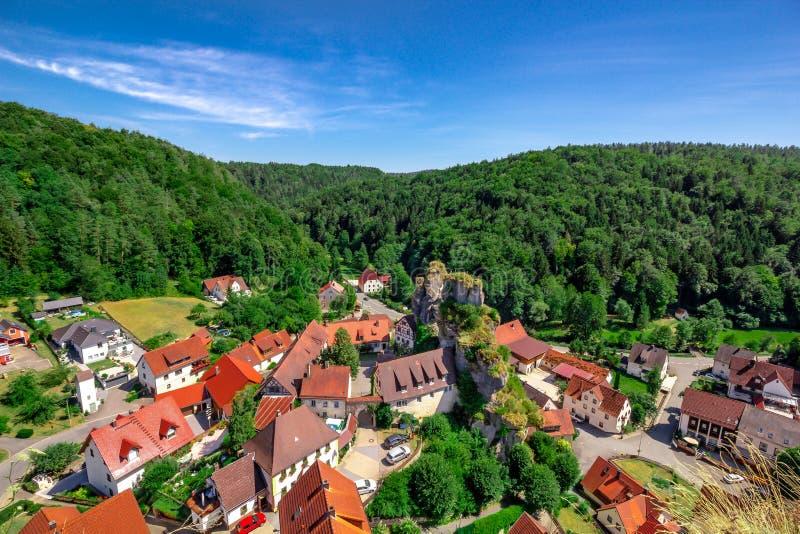 法兰克的瑞士博物馆, Tuechersfeld-Pottenstein风景,德国 库存照片