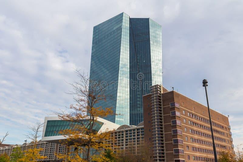 法兰克福,黑森/德国- 11 10 18 :欧洲央行大厦在法兰克福德国 免版税库存照片