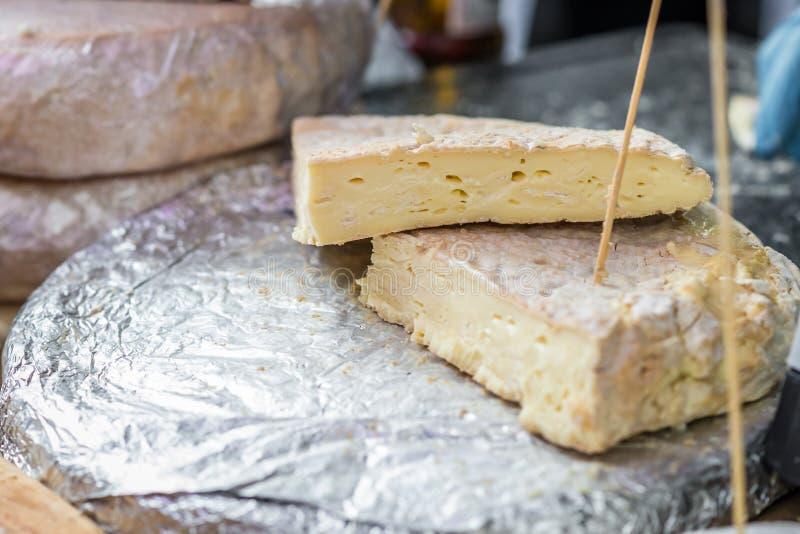 法国乳酪片断  免版税库存照片