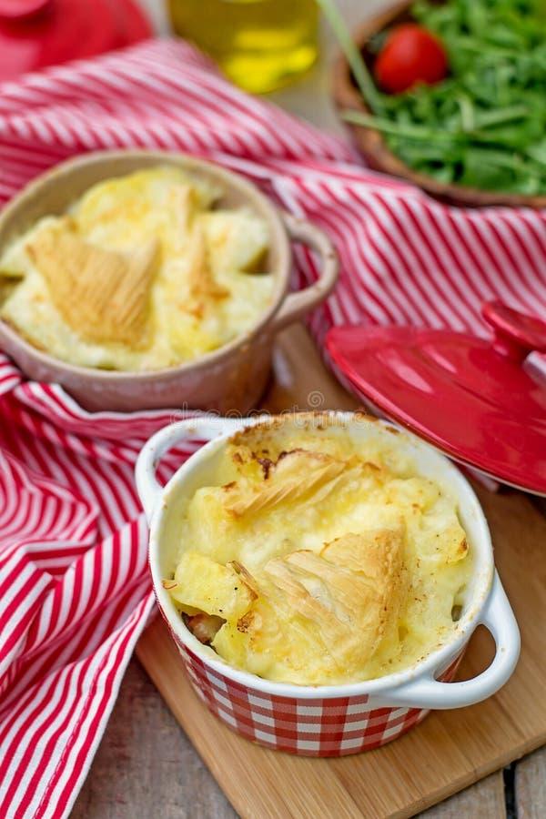 法国传统土豆膳食Tartiflette 图库摄影