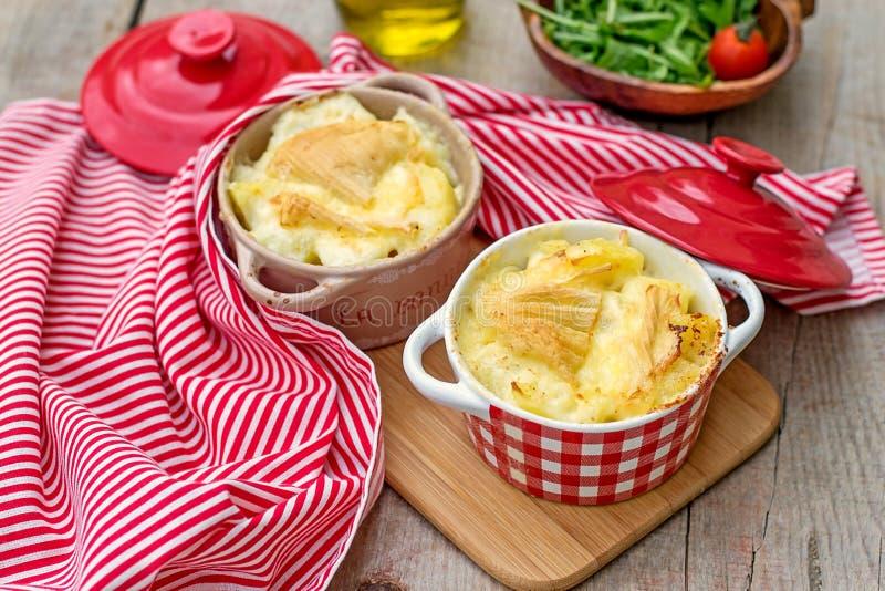 法国传统土豆膳食Tartiflette 库存照片