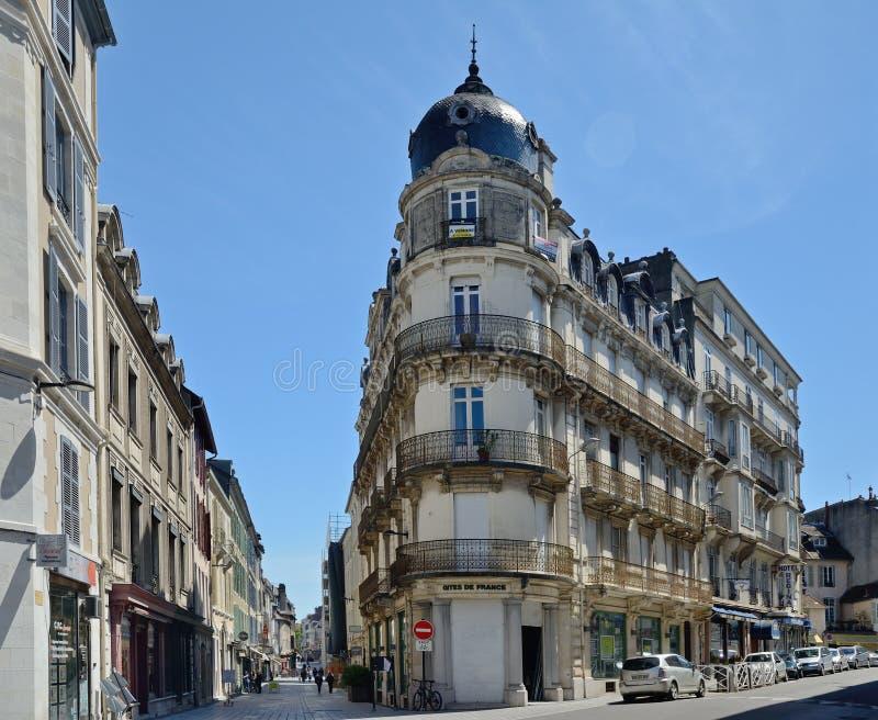 法国城市波城的街道 免版税库存照片
