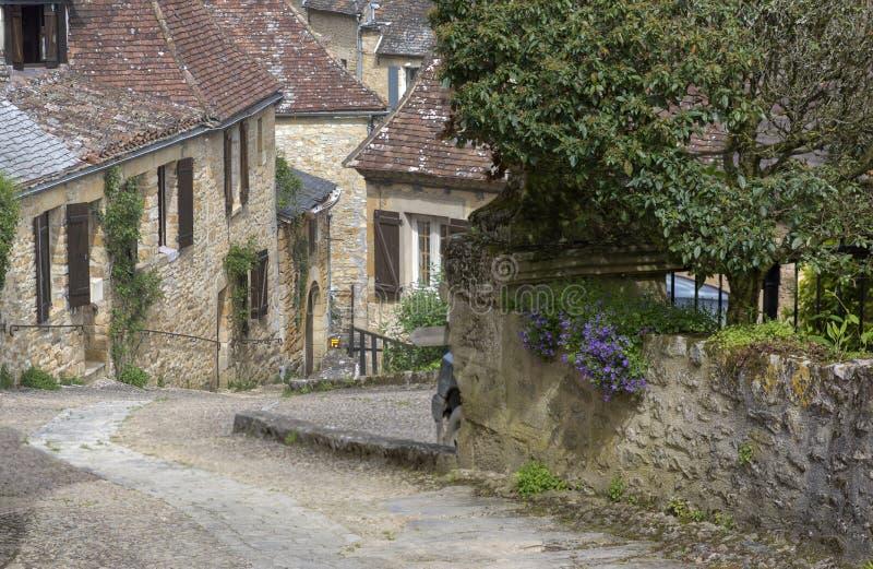 Download 法国美丽如画的村庄 库存照片. 图片 包括有 中世纪, 大阳台, 工厂, 有历史, 街道, 历史, 历史记录 - 72371362