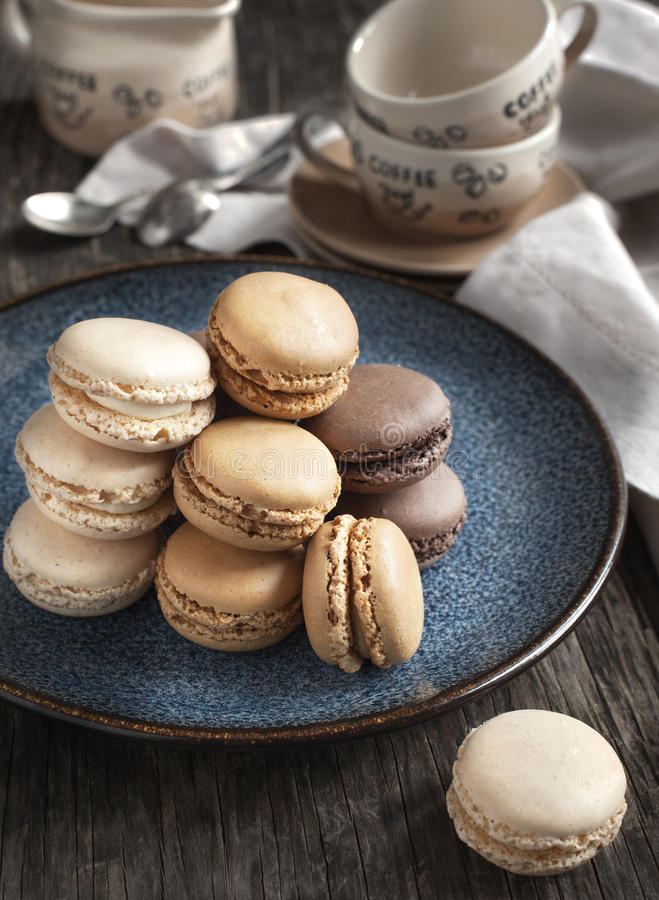 法国蛋白杏仁饼干。 库存照片