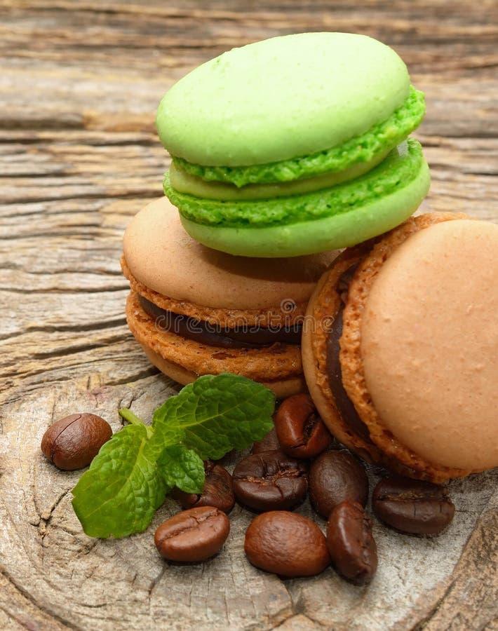 Download 法国蛋白杏仁饼干用咖啡豆 库存图片. 图片 包括有 快餐, 淡色, 五颜六色, 咖啡, 蛋白杏仁饼干, 巴黎 - 72361309