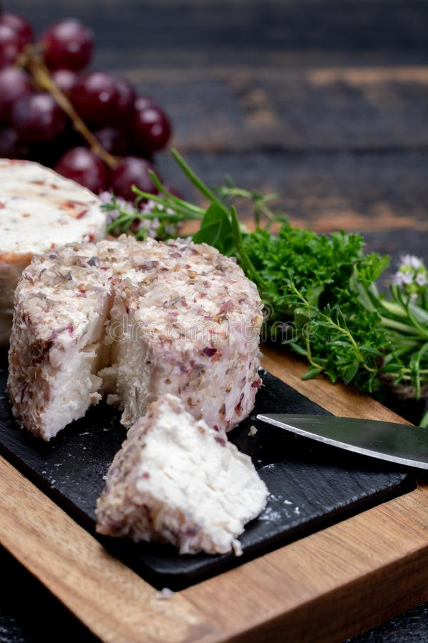 法国软干酪,另外口味山羊牛奶natura品种  免版税图库摄影