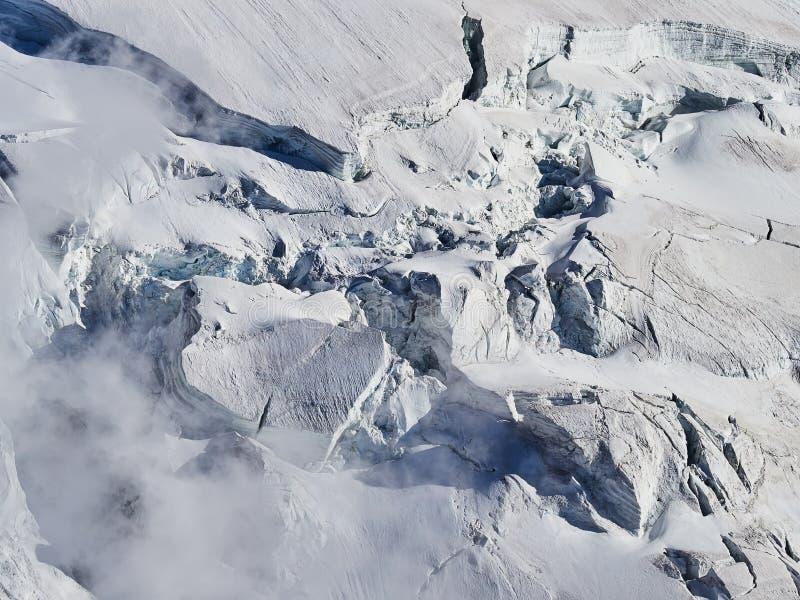 法国阿尔卑斯、勃朗峰和冰川如被看见从南针峰,夏慕尼,法国 库存图片