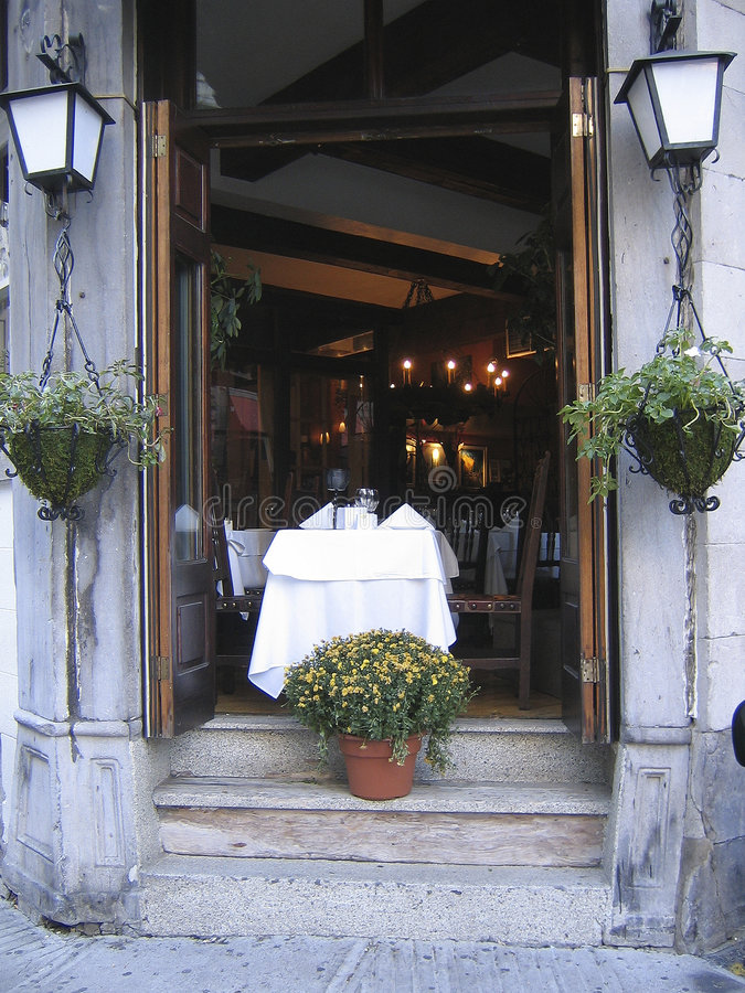 法国餐馆表二视窗 库存图片