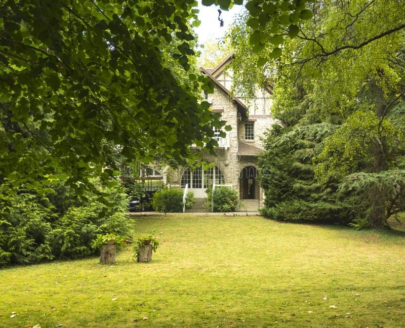法国,吉韦尔尼美丽如画的村庄在Normandie它是最响誉作为克洛德・莫奈` s庭院和家的地点 库存图片