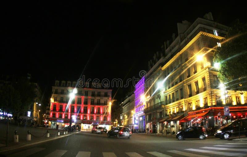 法国,巴黎,点燃在大厦 库存照片
