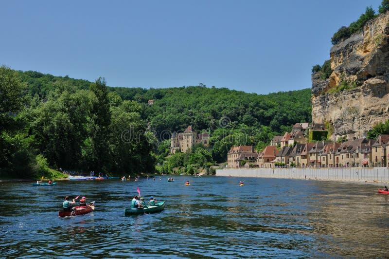 法国, La Roque Gageac美丽如画的村庄在多尔多涅省 库存图片