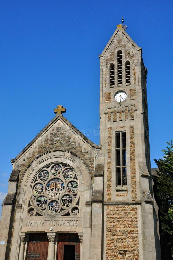 法国, Pont d Ouilly历史教会  库存图片