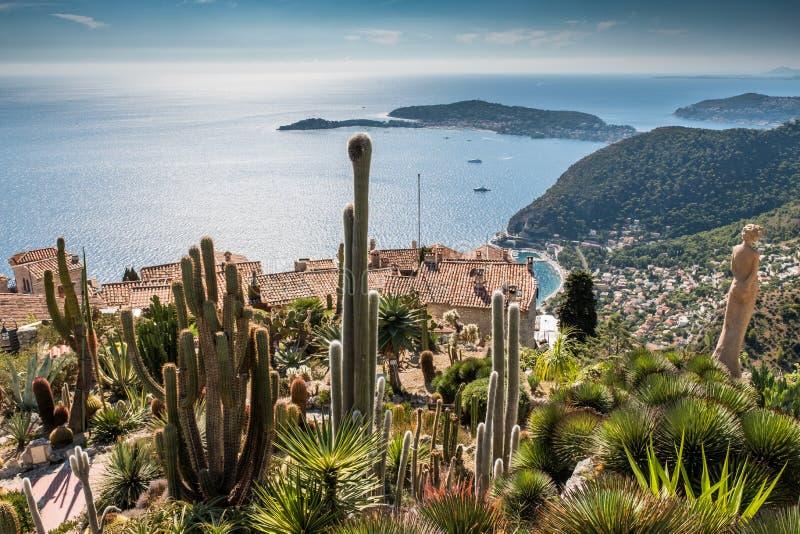 法国Provenece Eze的村庄和地中海的植物园 免版税库存照片